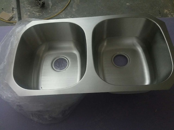 Used 50/50 undermount kitchen sink for sale in Walnut - letgo on ovens for kitchens, microwaves for kitchens, farm sinks for kitchens, instant hot water taps for kitchens, lighting for kitchens, corner sinks for kitchens, porcelain sinks for kitchens, double sinks for kitchens, hardwood for kitchens, prep sinks for kitchens, vessel sinks for kitchens, stone for kitchens, cabinets for kitchens, stainless steel appliances for kitchens, countertops for kitchens, granite for kitchens, faucets for kitchens, modern sinks for kitchens, hardware for kitchens, apron sinks for kitchens,