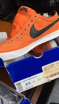 9.5 shoe size Pair of white and orange nike sb lace-up low-top sneaker with box Santa Barbara, 93101