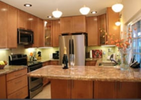 Residential/Office Cleaning Service (Standard Clean starting @ $150-$175, Deep Clean starting@ $175-250