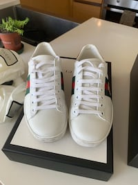 Gucci Ace Sneakers Size 5 Womens  Vancouver, V6B 6H1