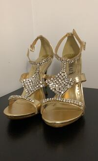 Heel shoes size 7.5