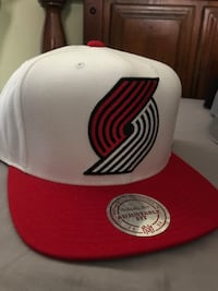 White and red Trail Blazers cap Eugene, 97403