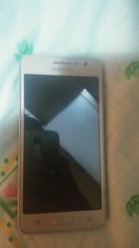 smartphone bianco Samsung Android Roma, 00141