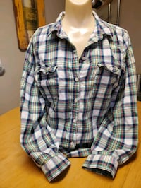 Womens Old navy plaid flannel shirt Small