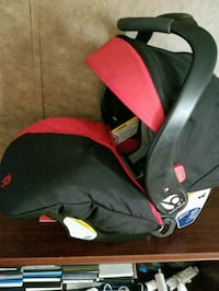 black and red car seat carrier Decatur, 62521
