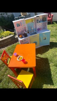 Bundle Play Kitchen and Table with Two Chairs Hazlet, 07730