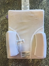 Infant positioning wedge. Side supports can be moved to different areas. Pick up St. Albert  St Albert, T8N 4Z8