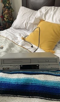 Duo DVD/tape player