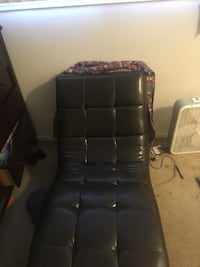 black leather tufted rolling chair Kalamazoo, 49048