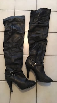 Black leather thigh high boots size 7 Toronto, M6H 2X3