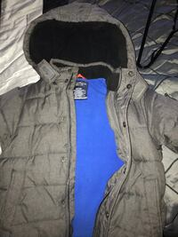 Nautica brand winter warm jacket for boys size 7 to 9. Rarely warn for 30$ Montréal, H8P 1Z7