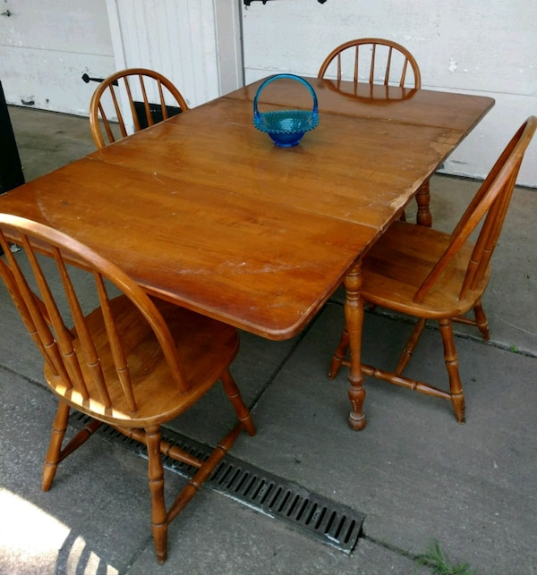 Drop Leaf Kitchen Table with 4 Chairs