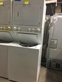 Kenmore stackable washer and dryer combo in excellent condition  Baltimore, 21223