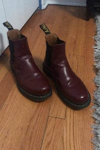 Doc Martens Shoes Chicago, 60640