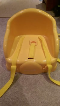 "Safety 1st Table ""Toy"" booster seat. Toronto, M8Z 3R3"