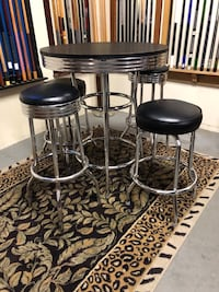 Pub / Bar table and stools - Excellent Condition! Rancho Cucamonga, 91730