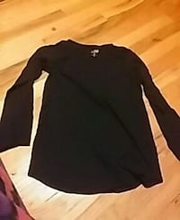 black crew neck long sleeve top Knoxville, 37920