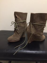 Pair of brown suede boots  Ottawa, K1N
