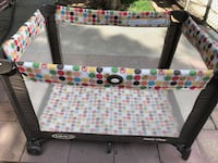 baby's black and white travel cot Bakersfield, 93308