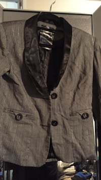 gray and black shawl lapel suit jacket Gatineau, J8R