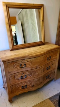 4 piece Rustic/Wood Bedroom set with mirror  The Bronx, 10460