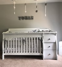 Solid wood crib/ changing table plus mattres Falls Church, 22046