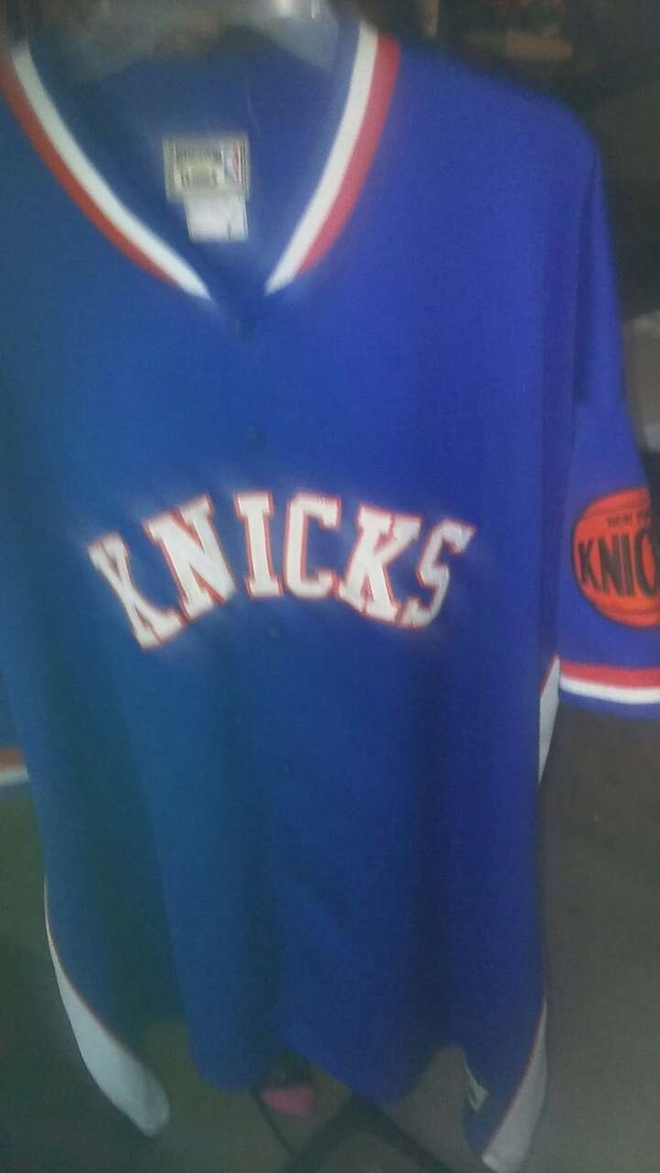 061283b04eb9 Used knicks throwback size 4x for sale in Conyers - letgo