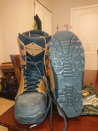 Snowboard boots and d30 protection suit
