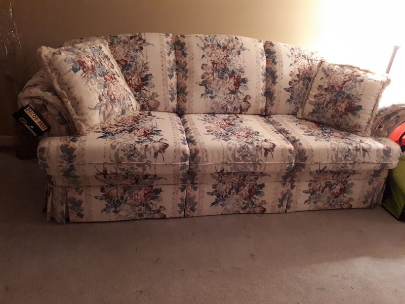 3 piece sofa loveseat  and chair 0