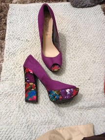 PLATFORM PEEP-TOE SHOES (3inch heel) - NEW, Price/pix $50. Size/taille 9.