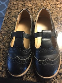 pair of black leather shoes Brampton, L6W 1C1