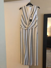 Joseph Ribkoff jumpsuit black and white size 4 never worn tag is still on it  Montréal, H9A 3A8