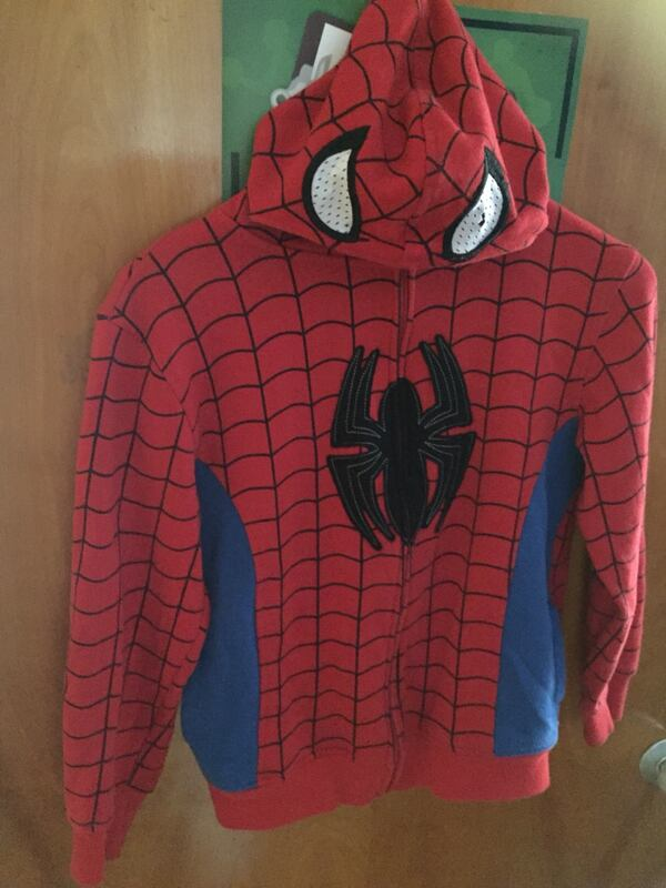 red and black Spider-Man zip-up hoodie 96bf8bb3-53c3-4ebf-a67f-d65a84c4bce7