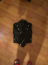 Black and gray leather vest New York, 11233