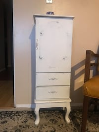Vintage jewelry & accessory dresser