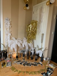 Roaring 20's party decorations, box lot