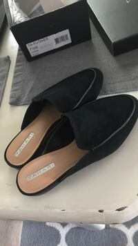 pair of black leather pointed-toe heels Tacoma, 98407