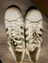 pair of white Adidas low-top sneakers Mobile, 36605