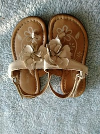 pair of brown leather sandals Silver Spring, 20910