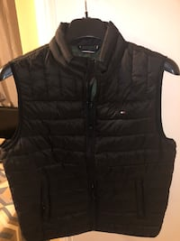 Tommy Hilfiger Vest New Rochelle, 10801