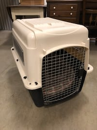 white and black pet carrier Arlington Heights, 60004