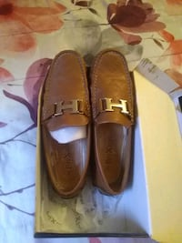 pair of brown leather loafers Bronx, 10454