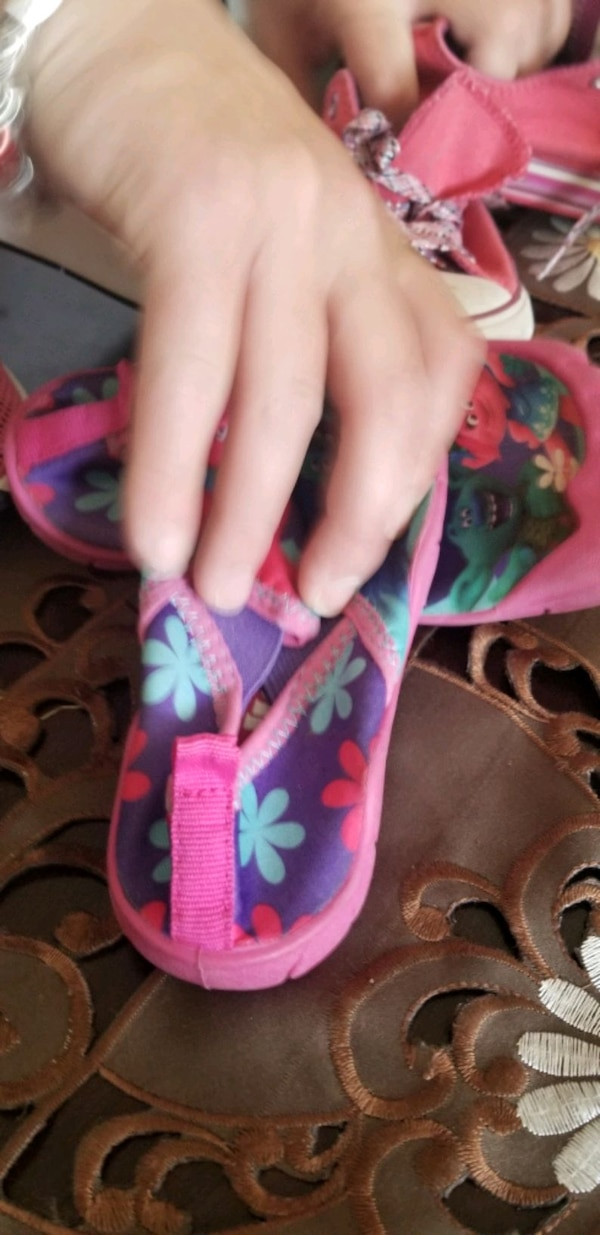 Toddler girl shoes  e260c3b3-7e29-4507-9e86-af2879df0f35