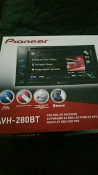 black Pioneer AVH-280BT 2-DIN car stereo box District Heights, 20747