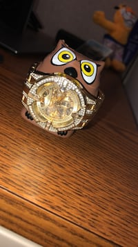round gold-colored chronograph watch with link bracelet  Orlando, 32835