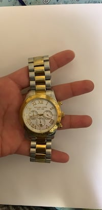 Round gold michael kors chronograph watch with gold link bracelet Kettleby, L0G 1J0