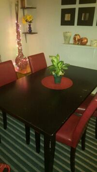 Dinning table set  Langley, V3A 3V5