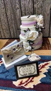 Wedding accessories lilac and off white color Saint Paul, 55119