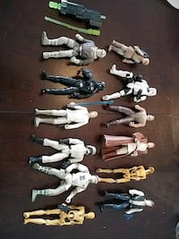 12 STAR WARS FIGURES - SKYWALKER,HAN SOLO +