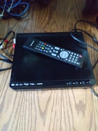 black DVD player with remote Longueuil